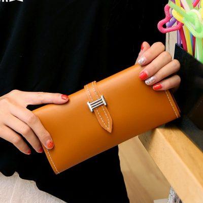 Dompet Panjang Lipat Simple Warna Coklat Muda