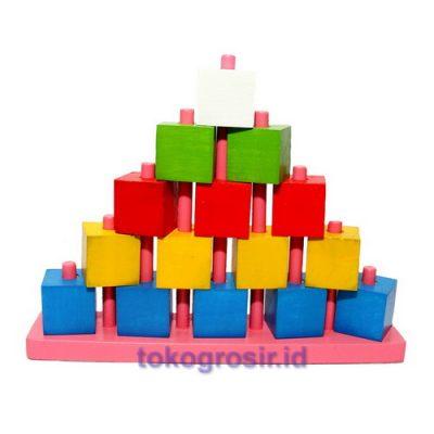 Menara Piramid Balok