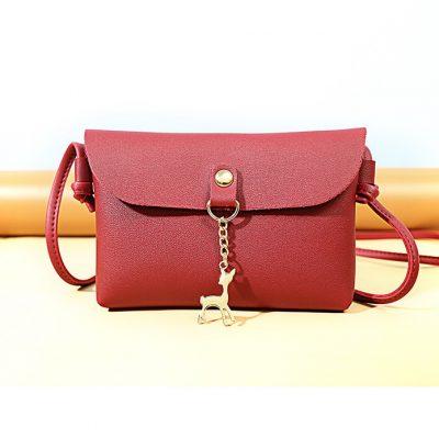 Tas gantungan kijang warna merah