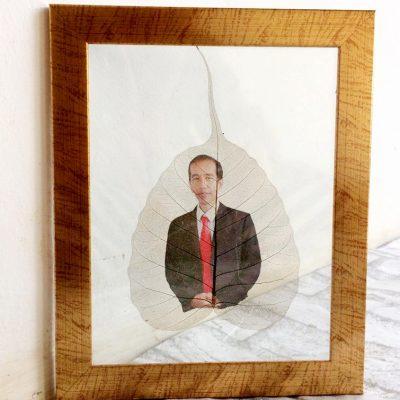 Souvenir Daun Gambar Jokowi